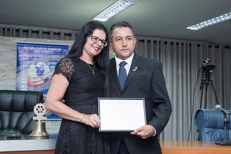 Na foto, Amadeu Ferreira Dutra com Márcia Gonçalves  em solenidade na Câmara Municipal de Barretos