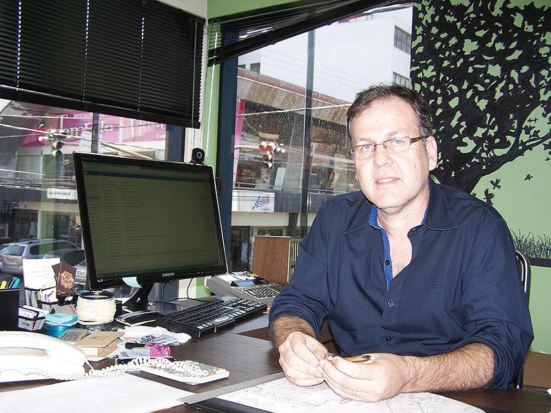 O secretário municipal, André Peroni