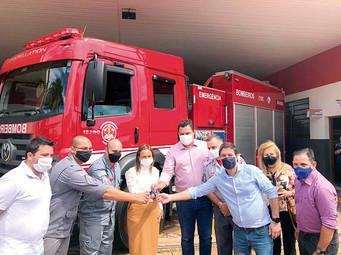 Corpo de Bombeiros de Barretos recebe nova viatura de combate a incêndio