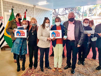 Prefeitura entrega escrituras de casas no conjunto Joaquim Pereira Mococa