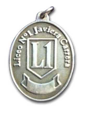 Medallita Javiera Carrera