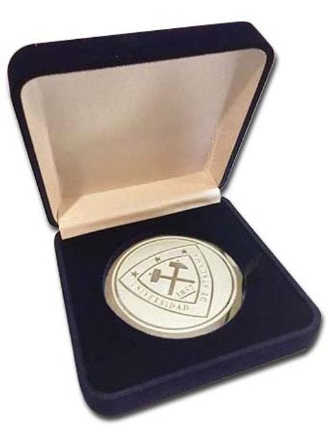 Medallón Fotograbado con Logo UTA