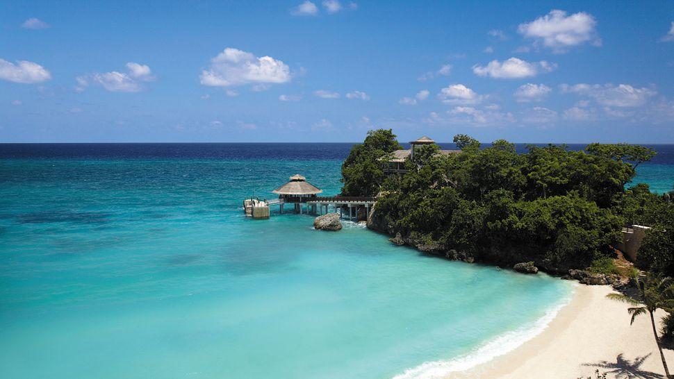 005847-17-Overview-of-Punta-Bunga-beach-