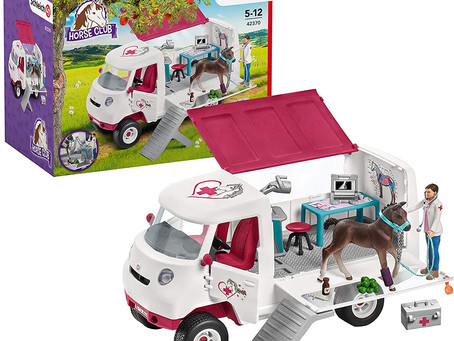 Schleich Horse Club Mobile Vet 17-piece Educational Playset
