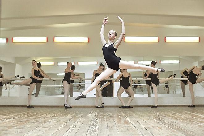 Ballerina Jumping