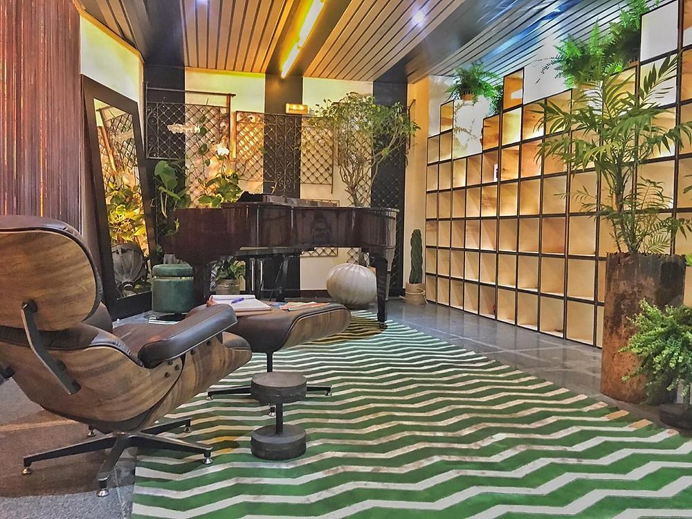 Sala de estar com piano