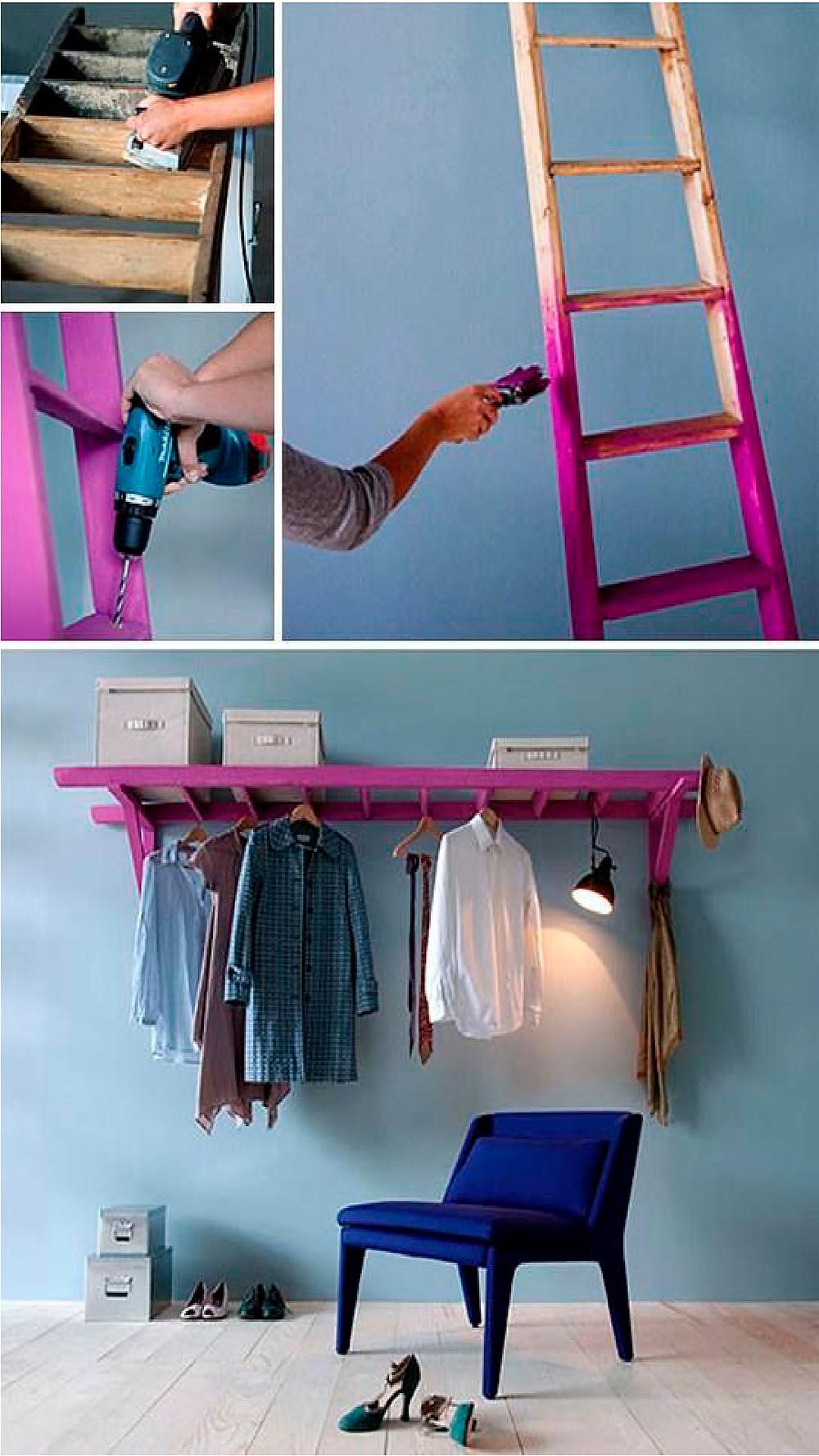 Escada antiga servindo como arara para roupas e acessórios.