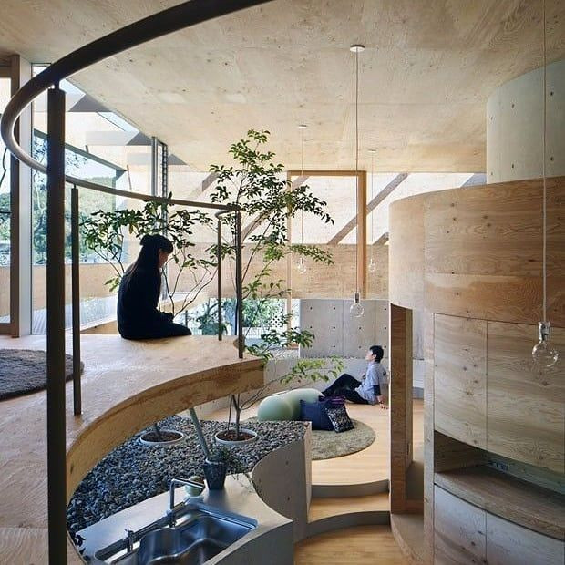 Casa japonesa com curvas