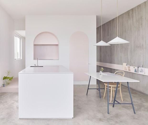 Apartamento minimalista em Beirute. Fonte: Casa Vogue