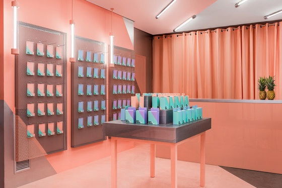 Flagship store pink
