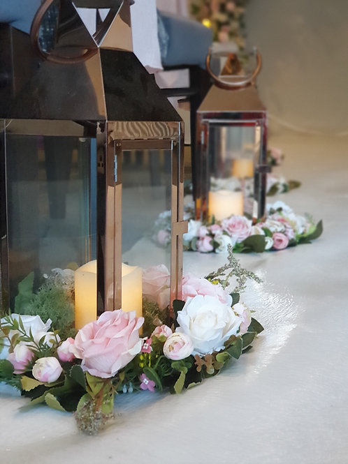 Lanterns with flower ring and led candle