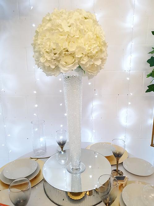 Classic white 30cm flower ball