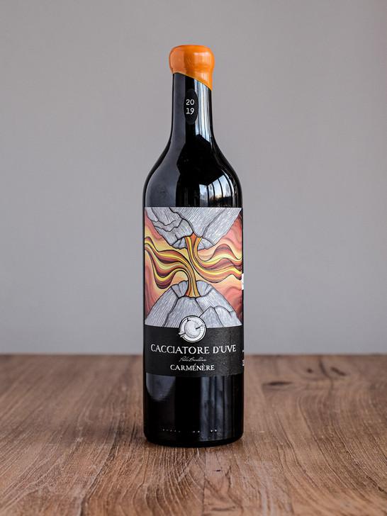 Bottiglia-cacciatore-uve-vulcano-front.j