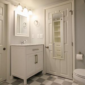 Macalester-Groveland Bathroom