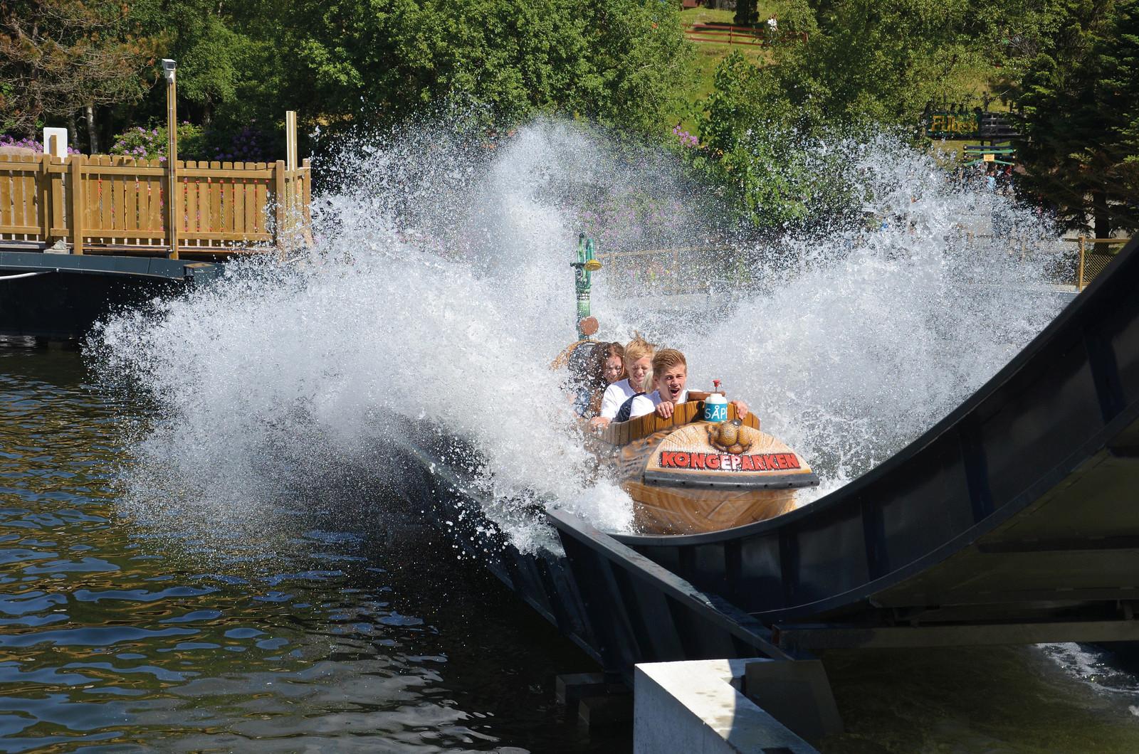 kongeparken flume ride 01.jpg