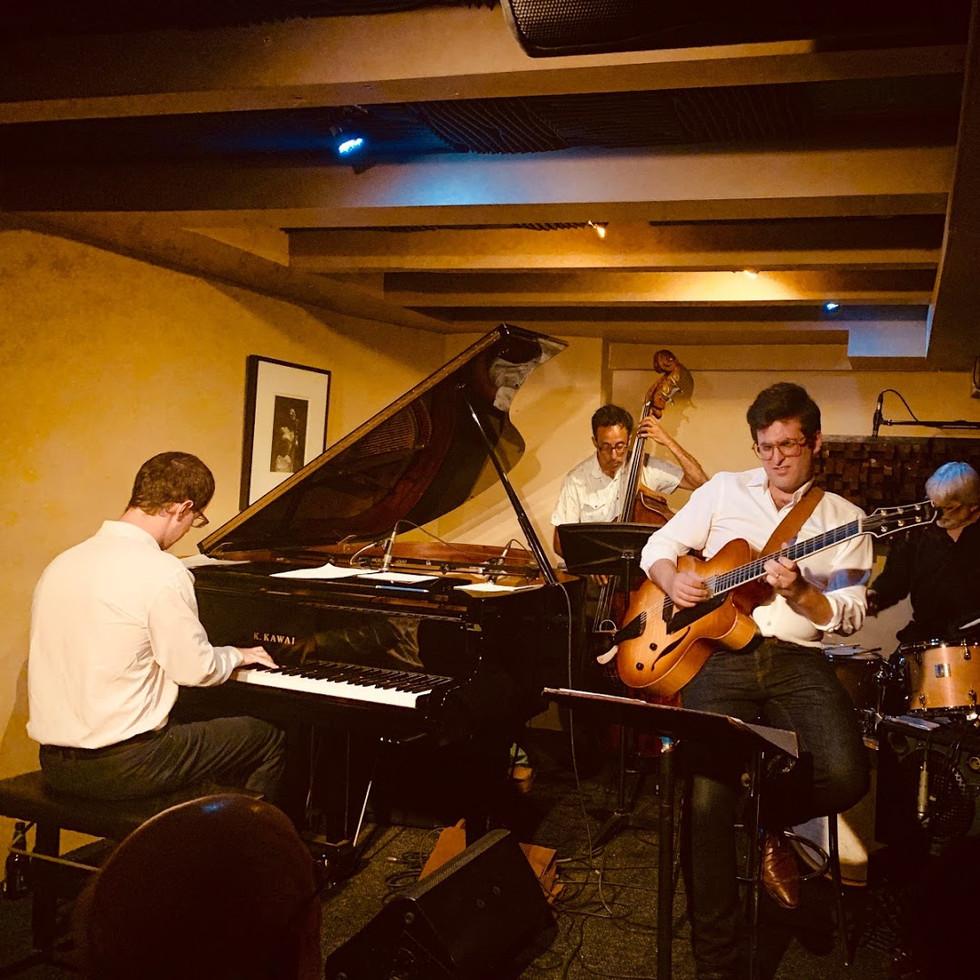 DIÈSE ONZE - The best jazz club in town!