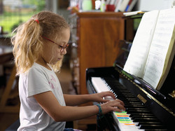WH_Girl_at_Piano