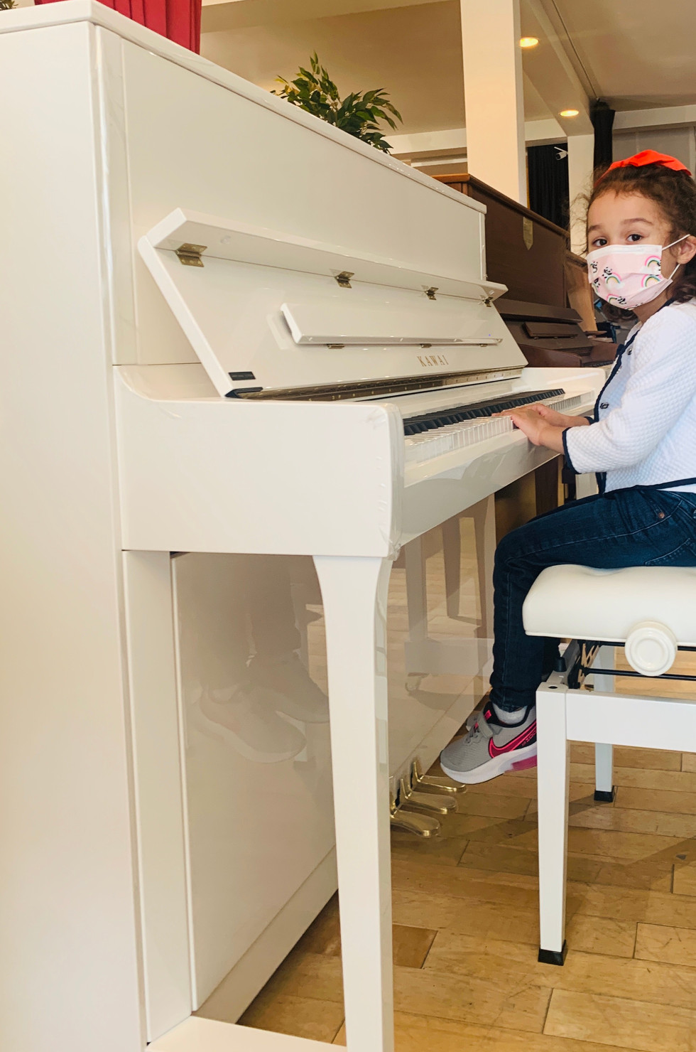 Our lil customer with her new Kawai K300 Snow White