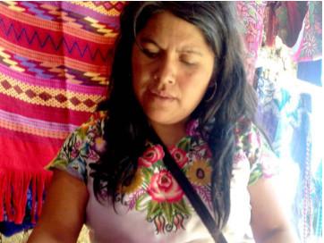 Perséfone: una manera de vestir los colores de México