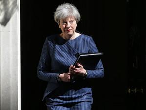 """""""Theresa May plănuiește perturbarea negocierilor Brexit din rațiuni politicianiste"""""""