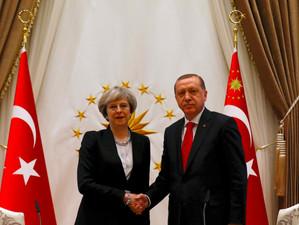 Marea Britanie se asteapta ca Turcia sa nu incalce drepturile omului si principiile statului de drep