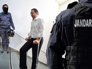 Ponta, sef la Guvern, dar nu la PSD