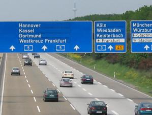 Germania se pregateste sa introduca taxa de autostrada  pentru soferii straini