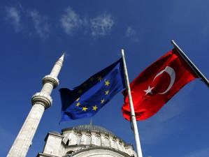 Turcia avertizeaza Uniunea Europeana