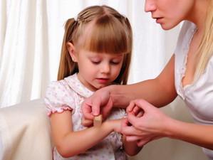 Parintii din UK, responsabili de micile si marile accidente ale copiilor