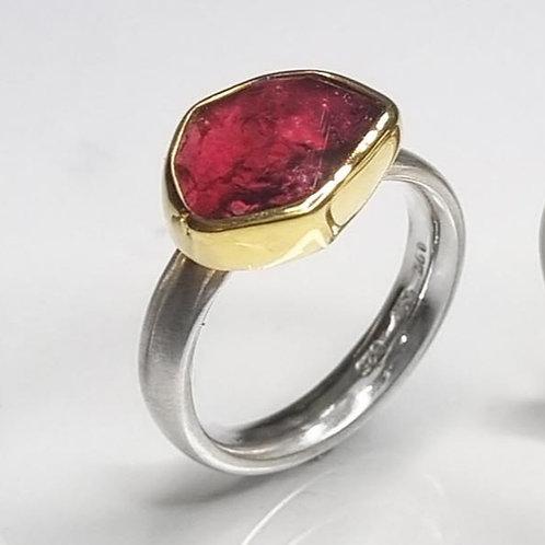 Ring aus 925er Silber,  Fassung 750er Gold, Turmalin