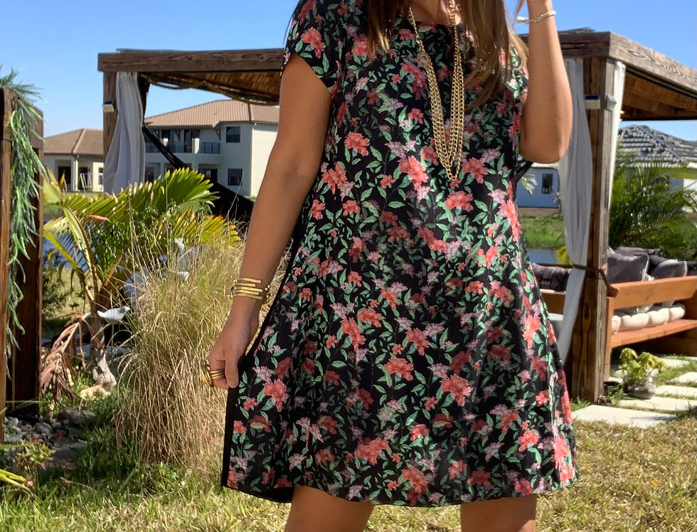 Multicolor Floral Print Pleated Back Detail