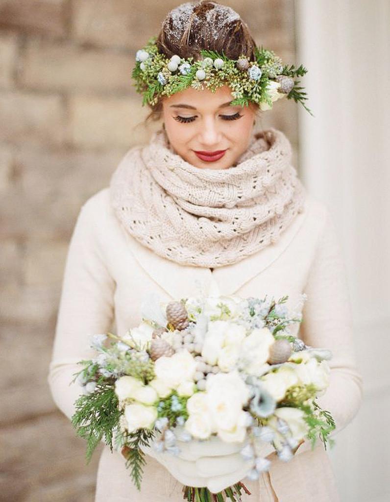 Une jolie mariée en plein hiver