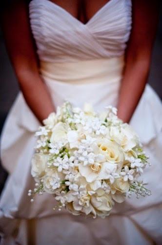 Bouquet de mariée chic avec du muguet
