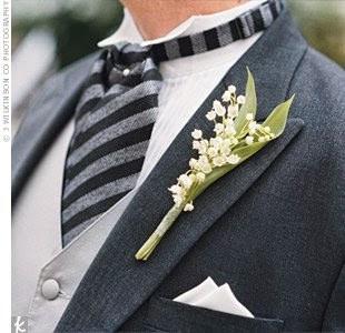 Un petit brin de muguet pour le marié