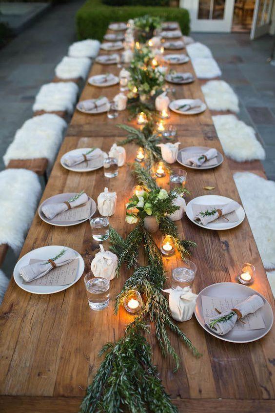 De la fourrure sur les sièges pour un mariage hivernal