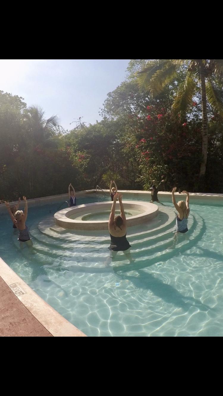 upward salute a la agua