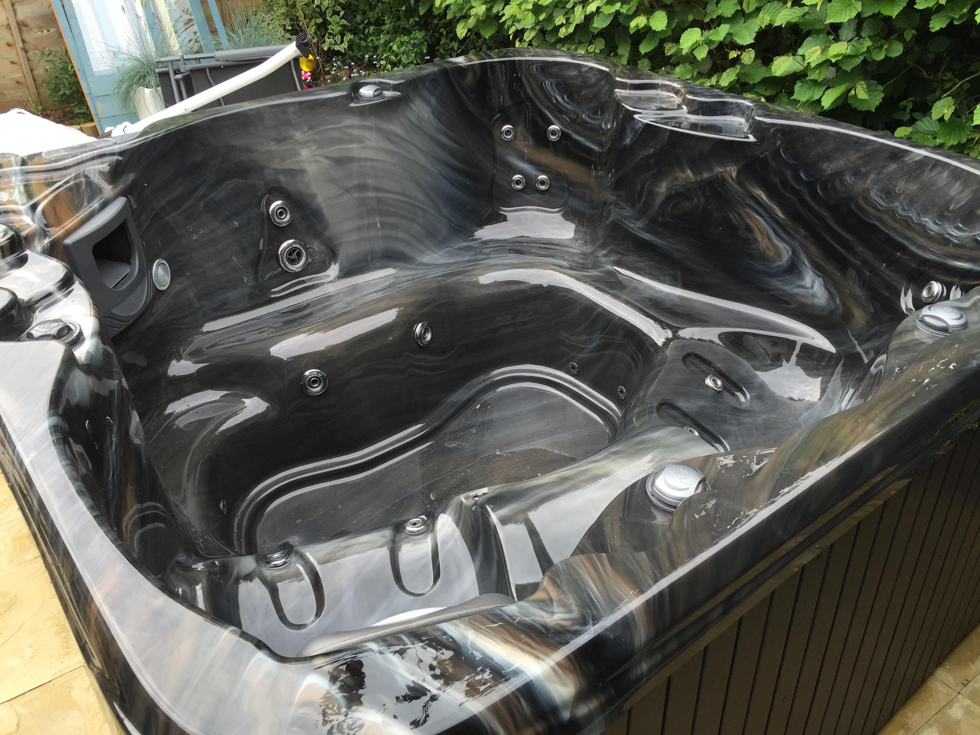 black tub.jpg