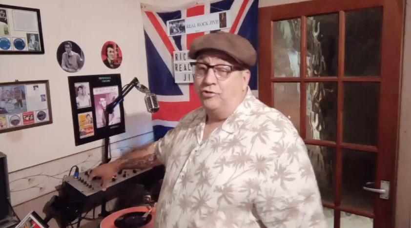 Twitch Music Streamer DJ Richie