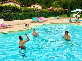 13 piscine animée.jpg