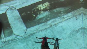 En el Guggenheim de Bilbao junto a mis hijas