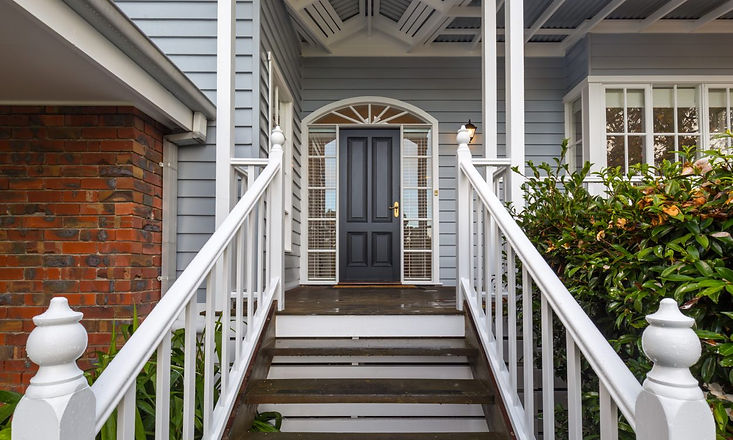 weatherboard-house-painters-front-entran
