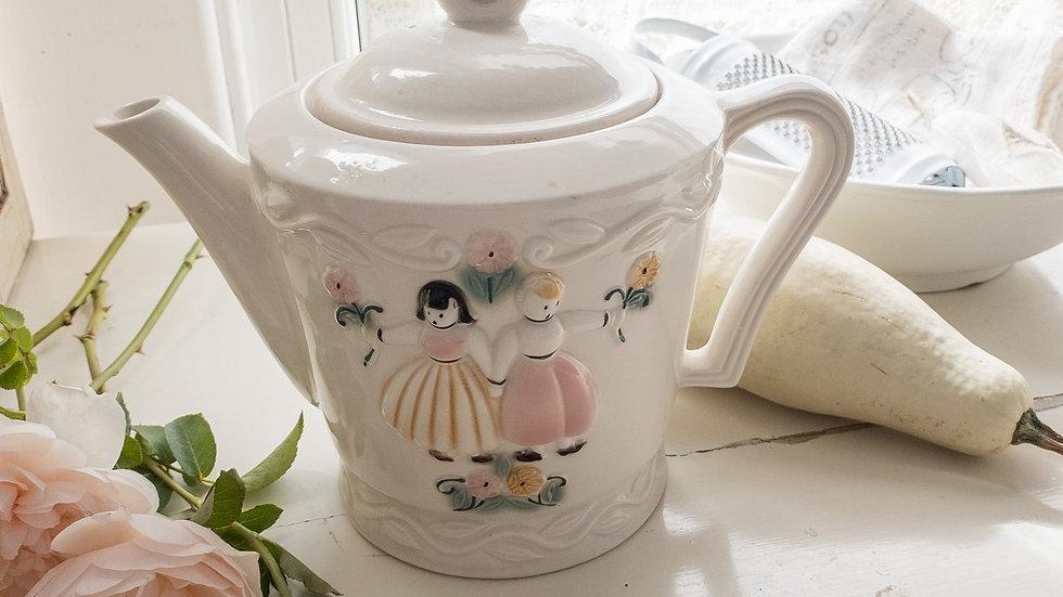 Vintage 2 Friends Cottage Teapot