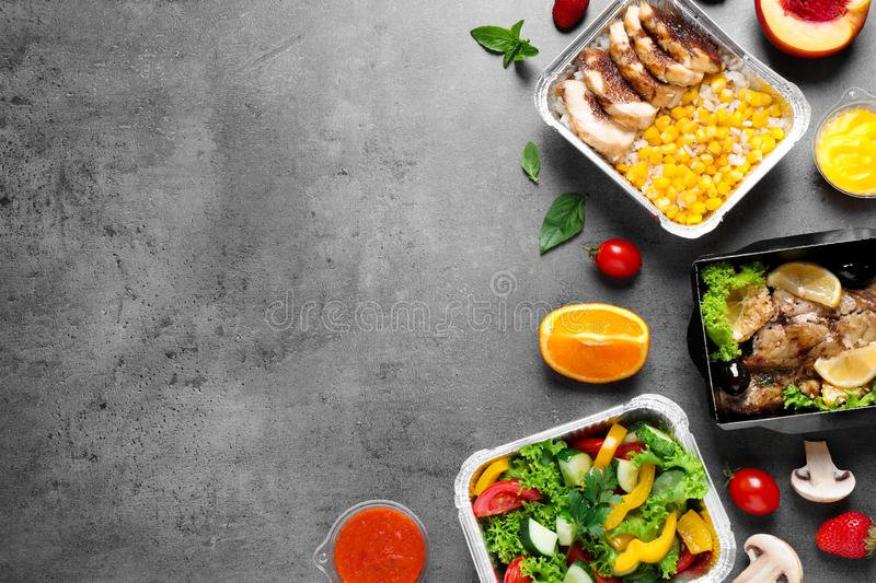 lunchboxes-grey-table-flat-lay-healthy-f