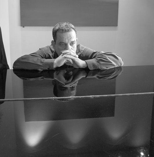 פסנתר דניאל חתוך.jpg