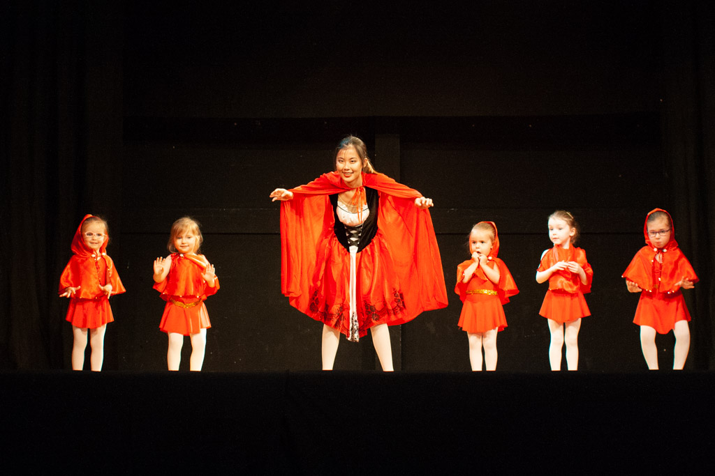 Little Red Riding Hood dancers