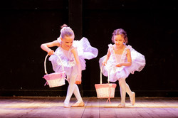 Ballerinas dancing the Nutcracker