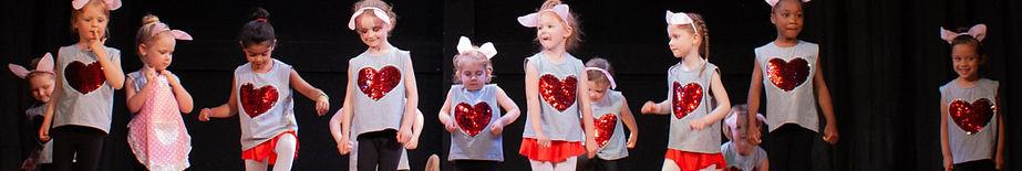 Preschool dancers