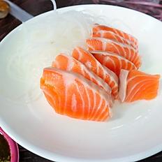 Salmon or Tuna Sashimi (3pcs)