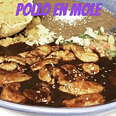 Pollo En Molle