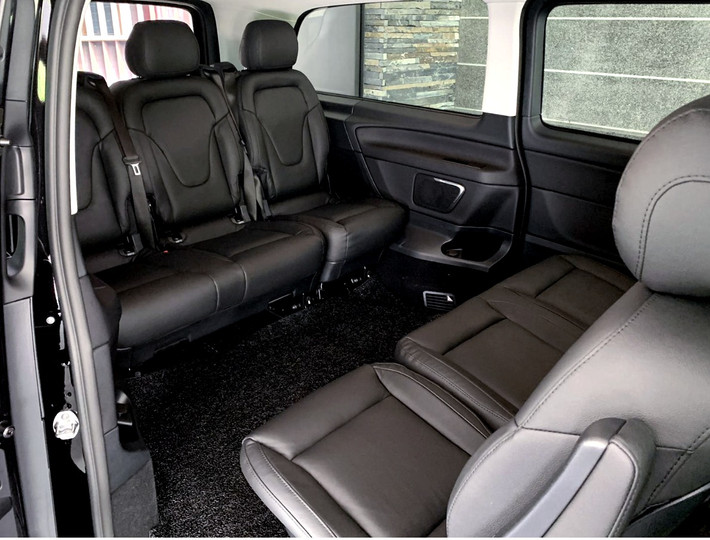 Mercedes Benz V-Class / Viano - Luxurious Seating Space